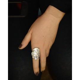 Gaudi ring
