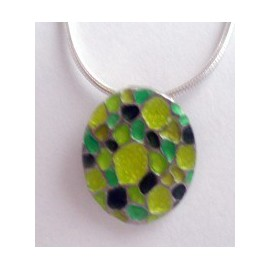 Green oval necklace
