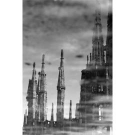 Fotografía Reflejo Agua Sagrada Familia 1