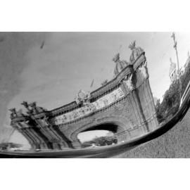 Fotografía Reflejo Arco del Triunfo Barcelona 1