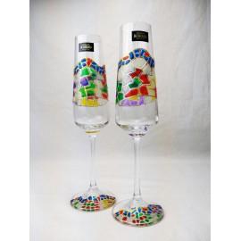 verres à champagne et plateau