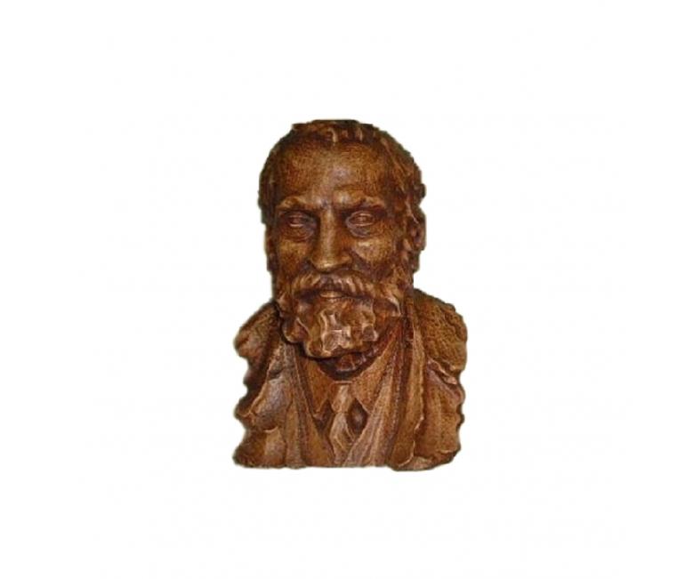 Busto Gaudí tallado en haya